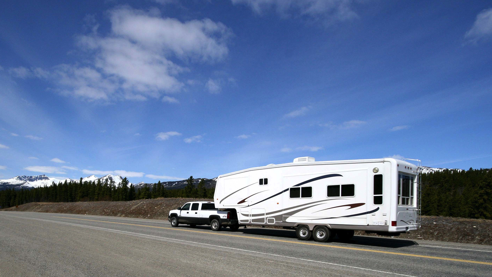 Recreational Vehicle Tires Image
